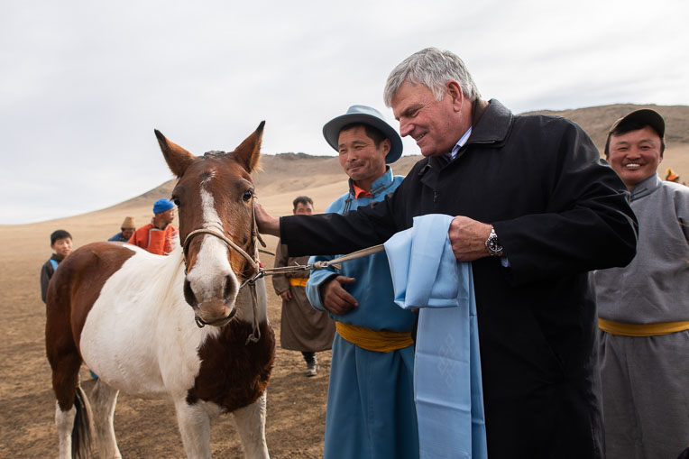 The family of a Children's Heart Project patient gave a horse to Franklin Graham as a way of saying thank you.