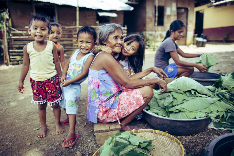 Women and children in the Philippines