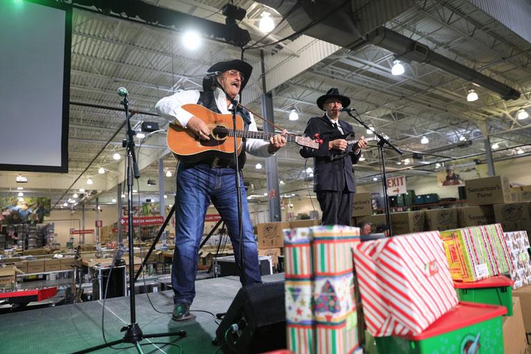 Danny and Dennis Agajanian kicked off the program with a trio of joyful gospel songs.
