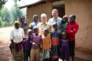 Dr. Read Vaughan and his wife Suzie with patients at Tenwek Hospital in Kenya. The Vaughans have served with World Medical Mission for more than a decade.