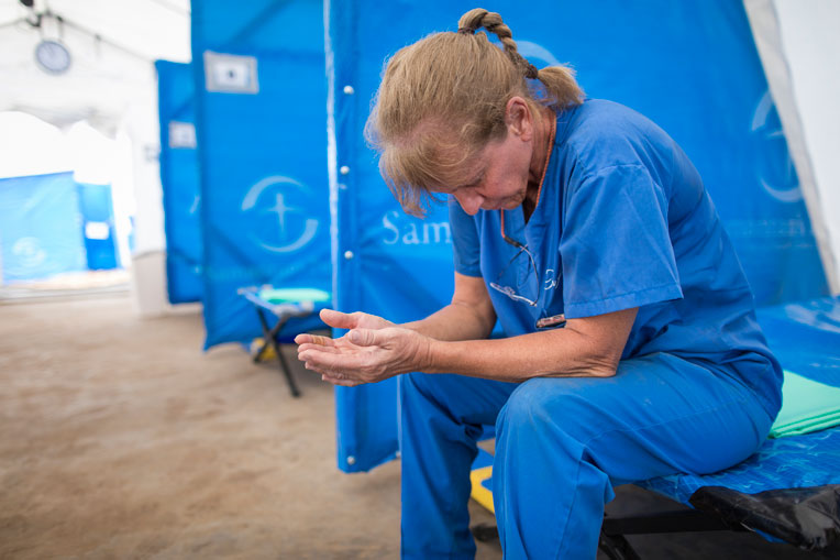 Please pray for our teams as they care for patients and demonstrate God's love. Pray for God to bring healing to the DRC.