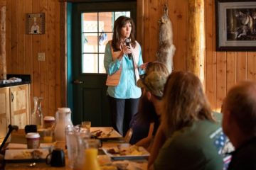 Tammie Jo Shults speaks to military couples about her unique experiences.