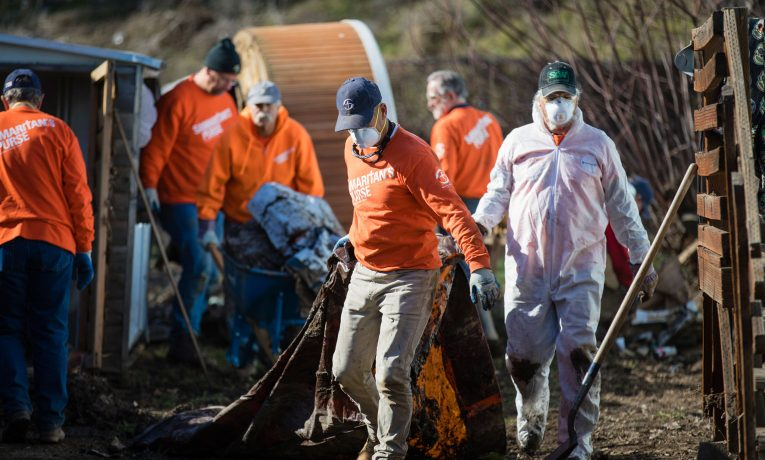 Our volunteers are hard at work cleaning out mud and debris from flooded homes in Pendleton, Oregon.