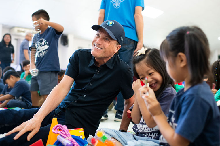 Musician Michael W. Smith joined us on the island to distribute shoebox gifts.