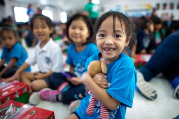 Children in Saipan received special shoebox gifts during an Operation Christmas Child outreach event with Franklin Graham, his wife Jane, and other special guests.