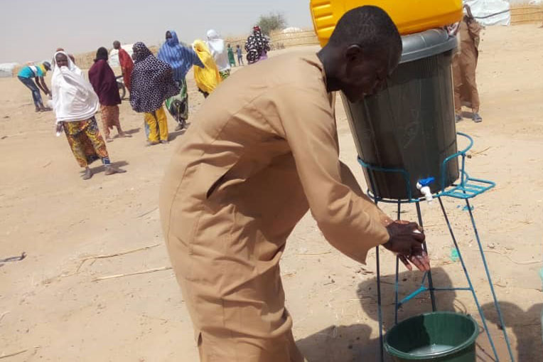 Providing clean water and stations for hand washing are helping communities in Niger prevent spread of the disease.