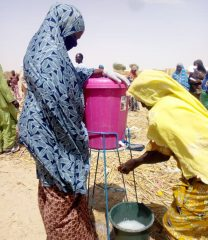 Our teams have set up hand washing stations in Niger's Diffa Region provide protection against the spread of disease during food distributions.