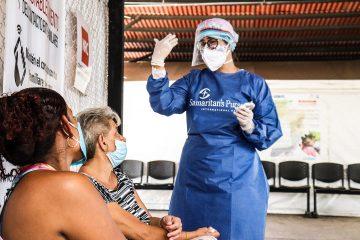 A Samaritan's Purse medical team conducts health screenings for migrants crossing the border at Simón Bolívar International Bridge.
