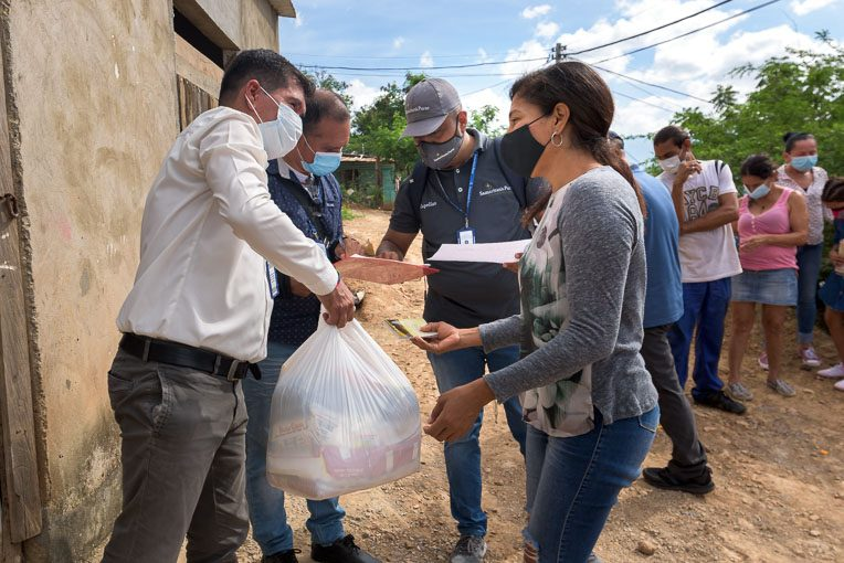 The Samaritan's Purse ministry team is partnering with local pastors along several border areas of Colombia to feed recent migrants from Venezuela.