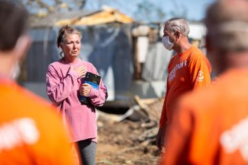 Jennifer was grateful for the work of Samaritan's Purse volunteers. She was also grateful for the Bible signed by each volunteer.