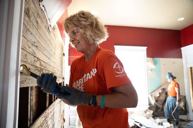 Sharon ? is from ?, Tennessee, and has volunteered many times with Samaritan's Purse.