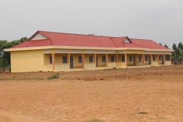 The new Bos Thom school building.